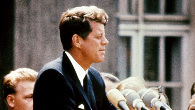Bizarre Things That Never Made Sense About JFK's Assassination