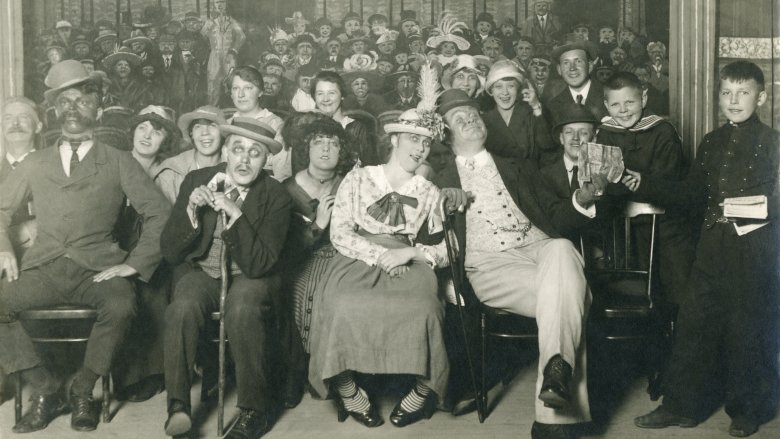 victorian theater audience