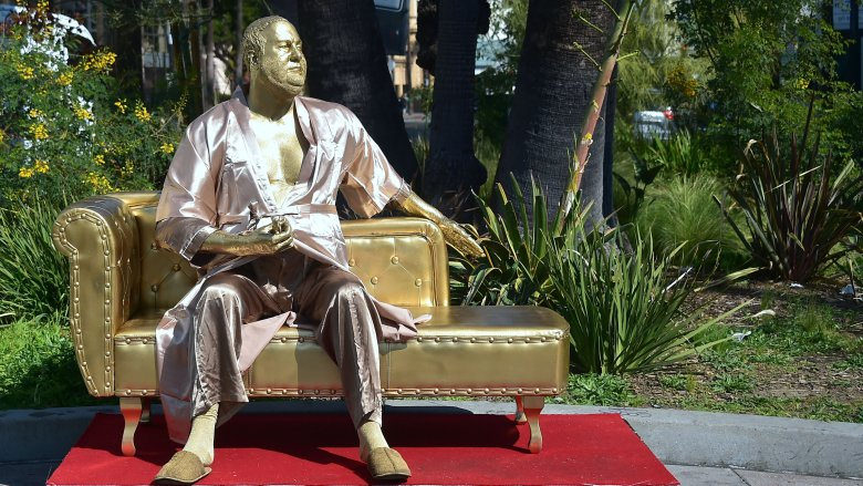 harvey weinstein casting couch statue