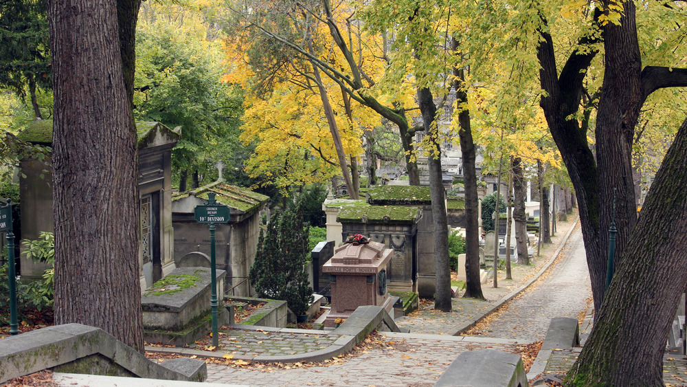 Pere Lachaise tombs amongst trees