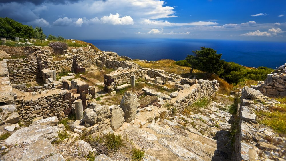 The Untold Truth Of The Ancient City Of Thera