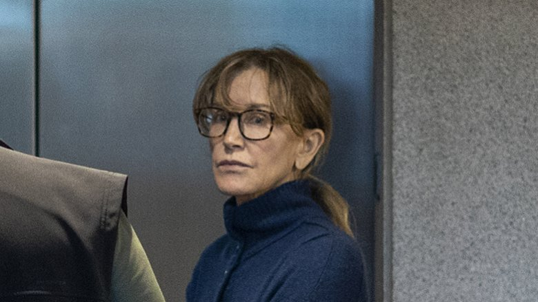 felicity huffman arrested college admissions